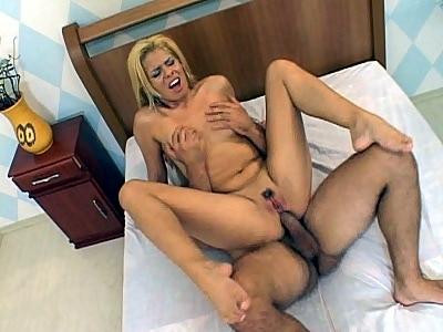 Latina Lorena Deep roll Shoving